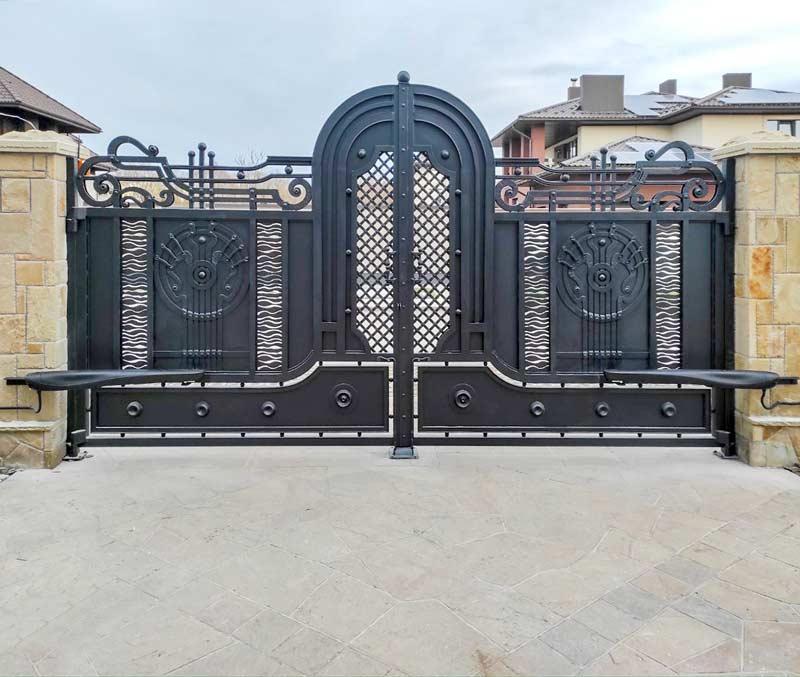 Ковані розпашні ворота