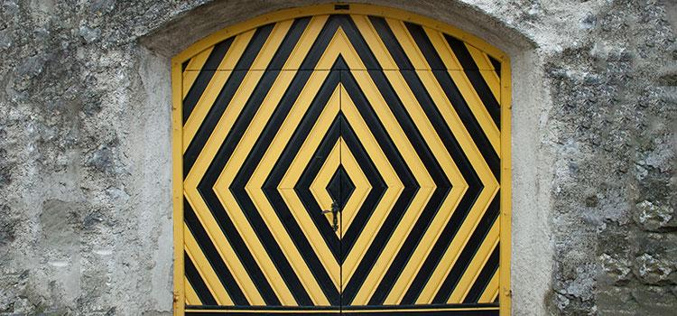 Гаражні двостулкові ворота